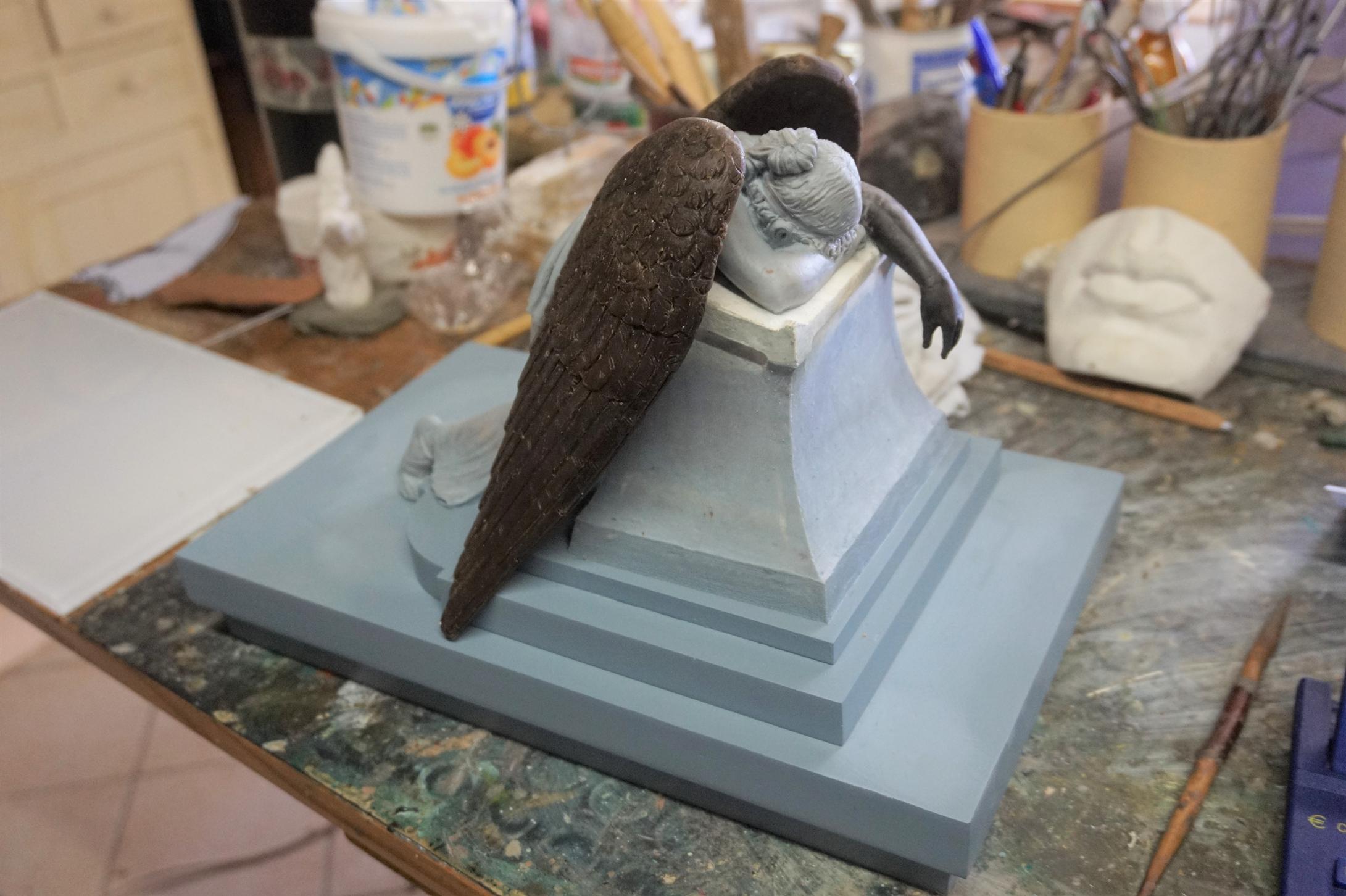 Miniatura in cera e plastilina scultura Angelo del Dolore