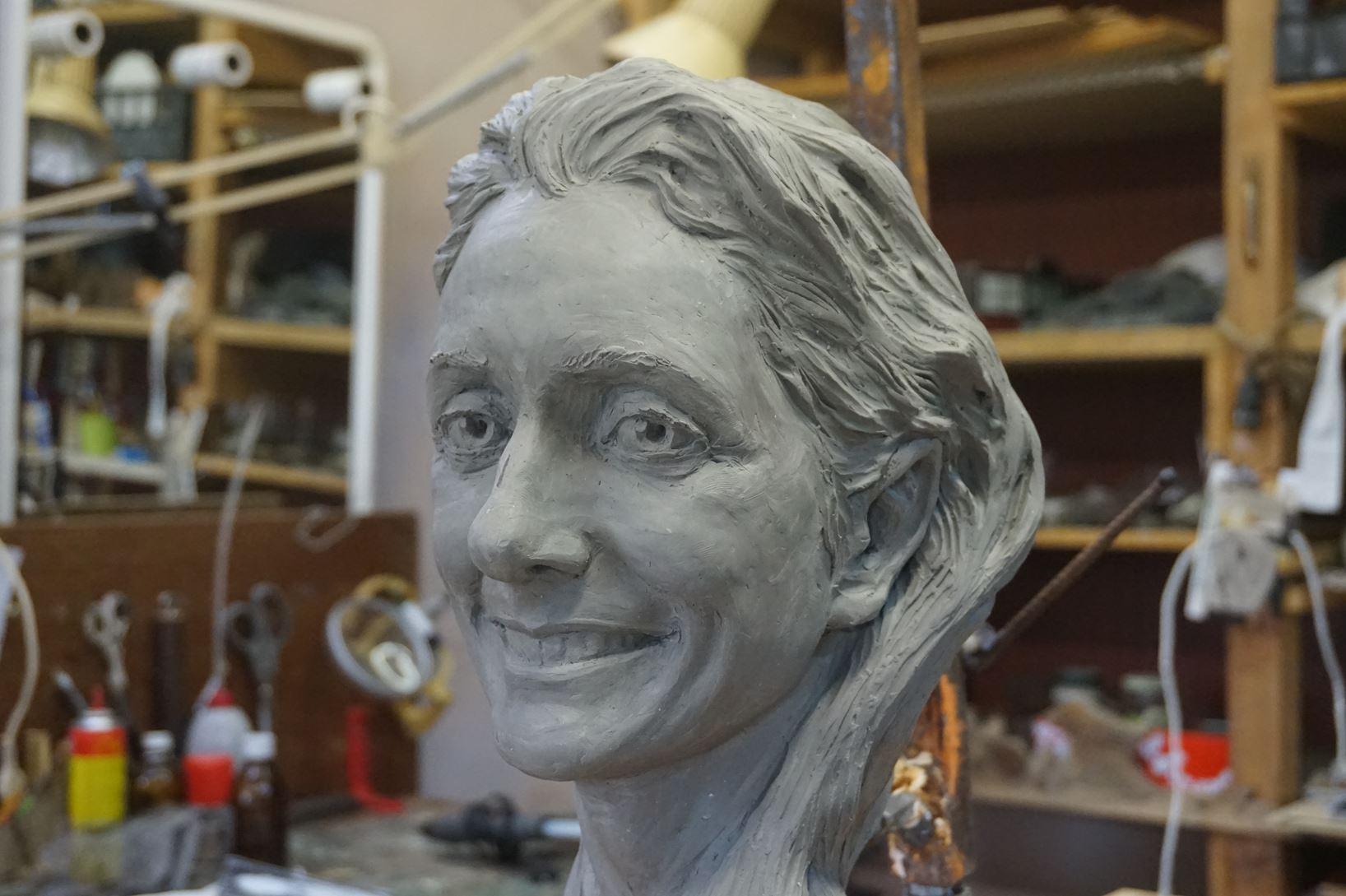 Ritratto scultoreo di un volto femminile