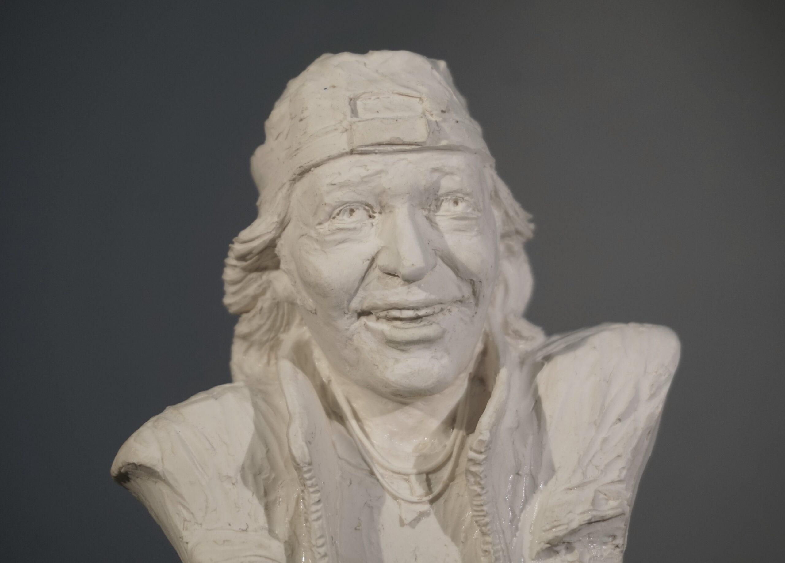 Ritratto scultoreo miniato di Vasco Rossi