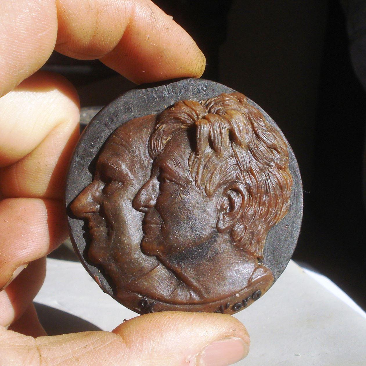 Miniatura Uomo e Donna con Tecnica a Bassorilievo
