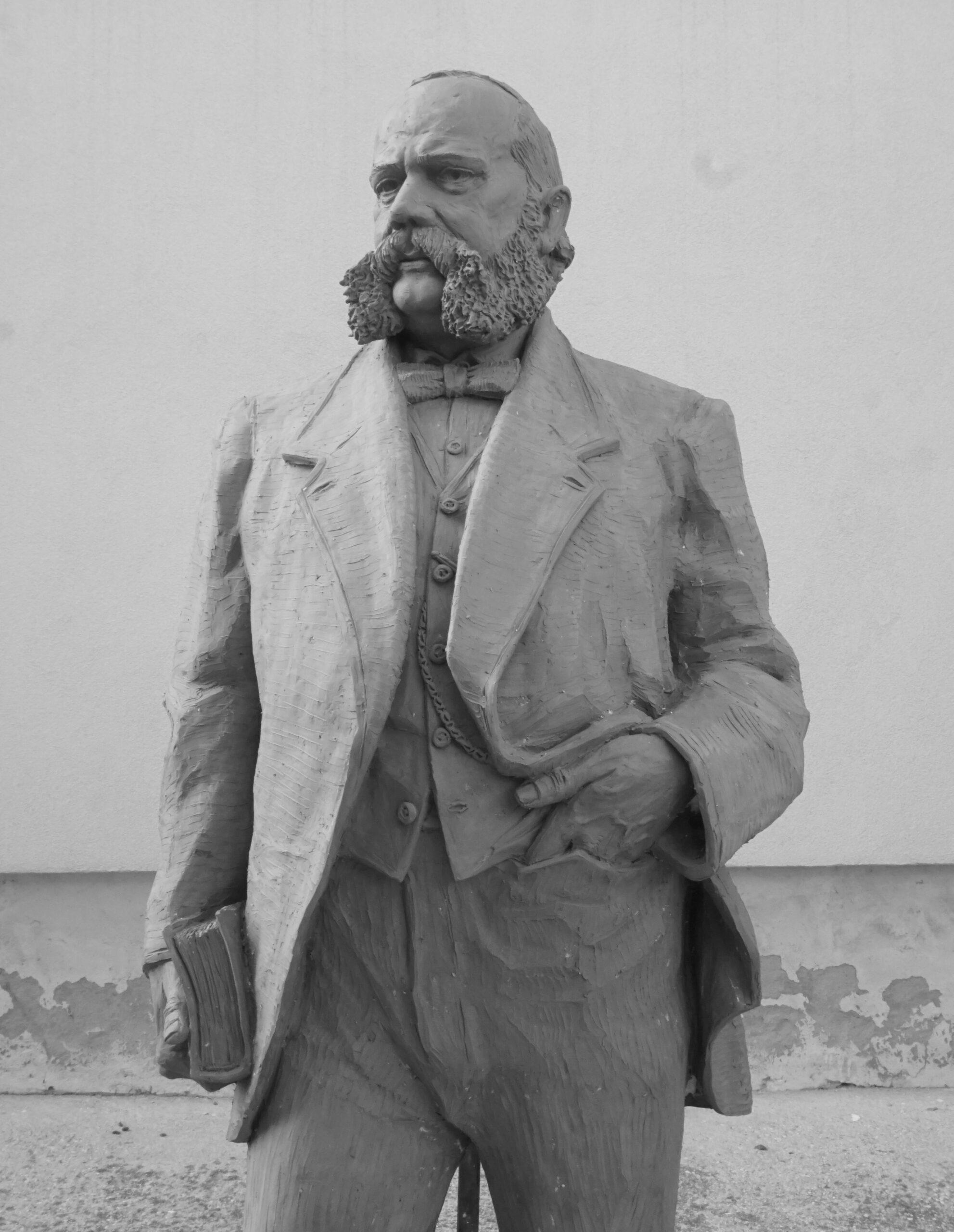 Ritratto scultoreo di Angelo Messedaglia